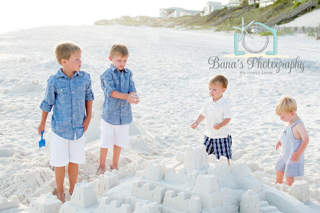kids_beach_play