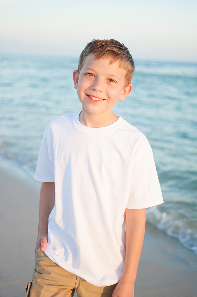 child_beach_photo